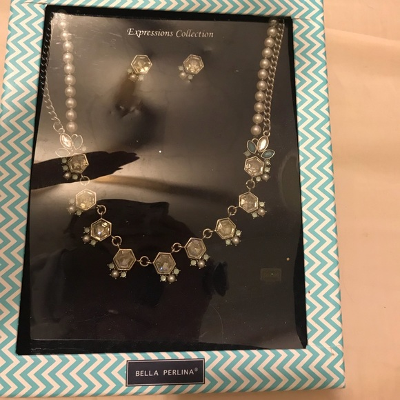 bella Perlina Jewelry - Bella Perlina necklace and earrings set